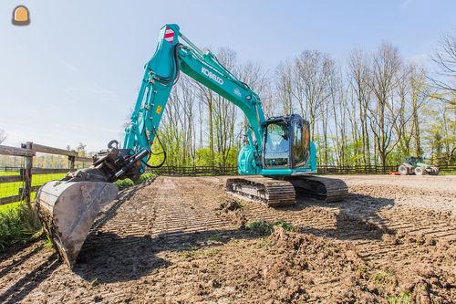 Kobelco SK140SRlc voor Bouwman Westbroek