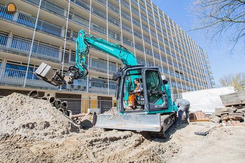 Kobelco SK75SR voor Van Ettikhoven Alphen a/d Rijn