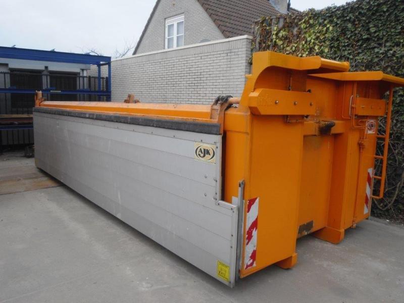 GESTOLEN: AJK Haakarm container