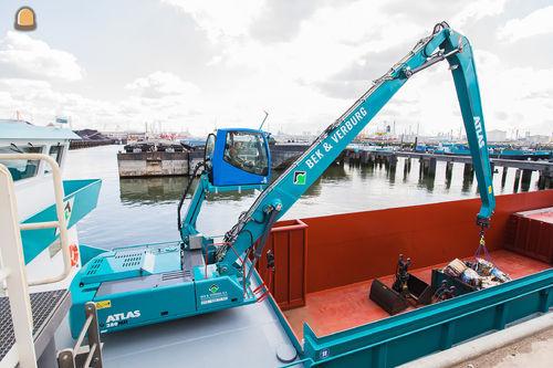 Atlas 350MH op Kraanschip voor Bek en Verburg Rotterdam