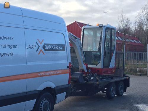Gestolen: 2 bedrijfswagens, 3 minigravers en divers klein materieel