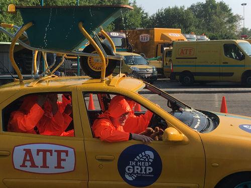 ATF werknemers veilig 'de juiste weg op' met de auto's en werfbusjes