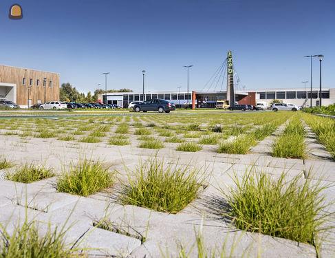 Parking Schiervelde te Roeselare mooi in het groen met Square Cross