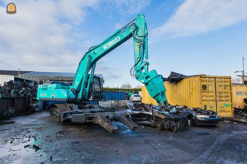 Kobelco SK210D 'Multi Dismantling' voor Autodemontage M.J. Rutte en zonen