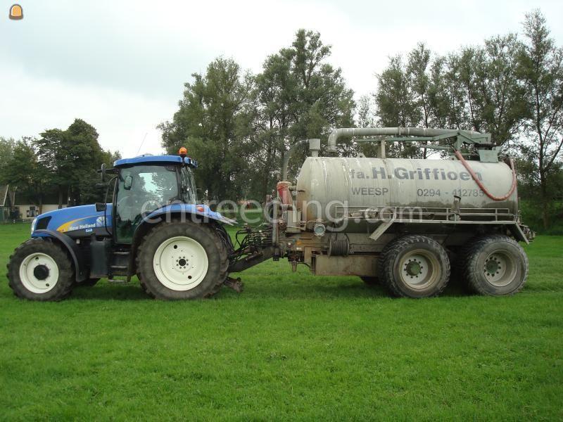 Tractor + waterwagen NH + 10m3 waterwagen