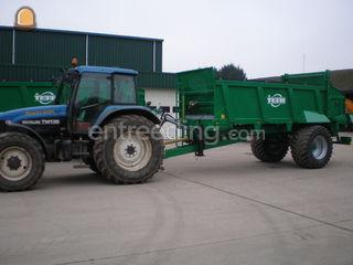 Tractor + breedstrooier Omgeving Venlo