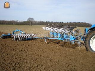 Tractor + ploeg Omgeving Venlo
