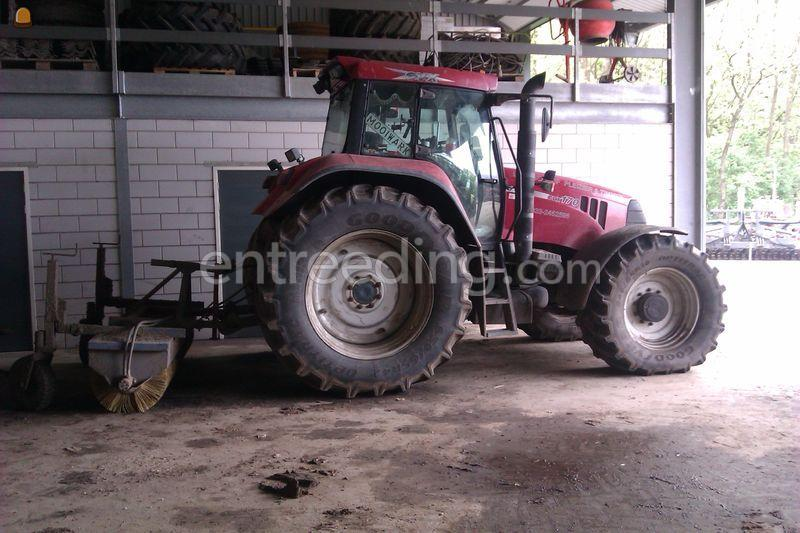Tractor + veegmachine Case CVX + Ceres