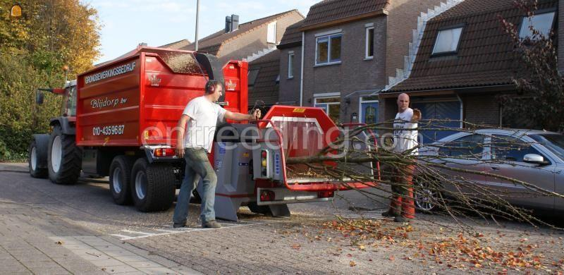 Tractor + houtversnipperaar grote houtversnipperaar