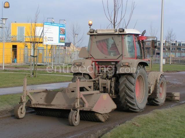 Tractor + veegmachine Fendt 308CI + veegmachine