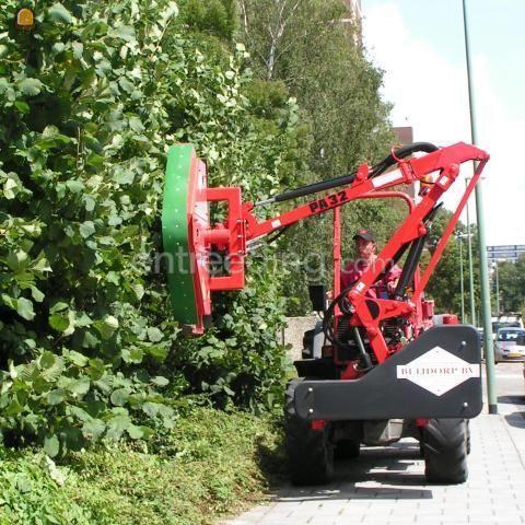 Tractor + klepelmaaier trekker met zijklepelmaaier