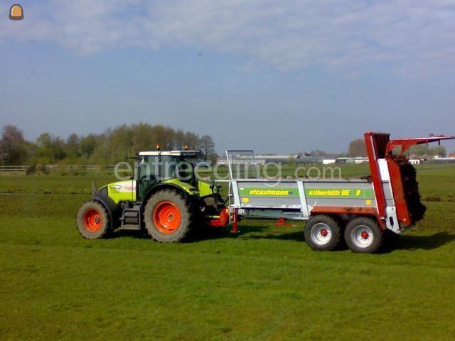 Tractor + breedstrooier strautmann be 9