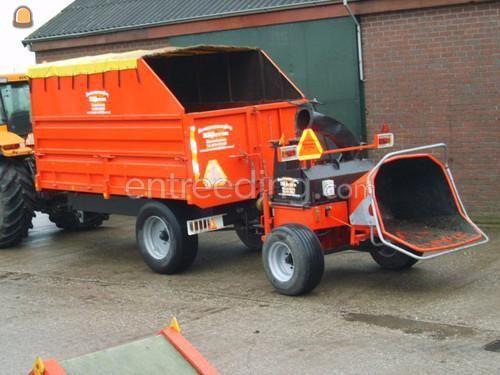 Tractor + houtversnipperaar Claas + Vandaele + Peecon kipper