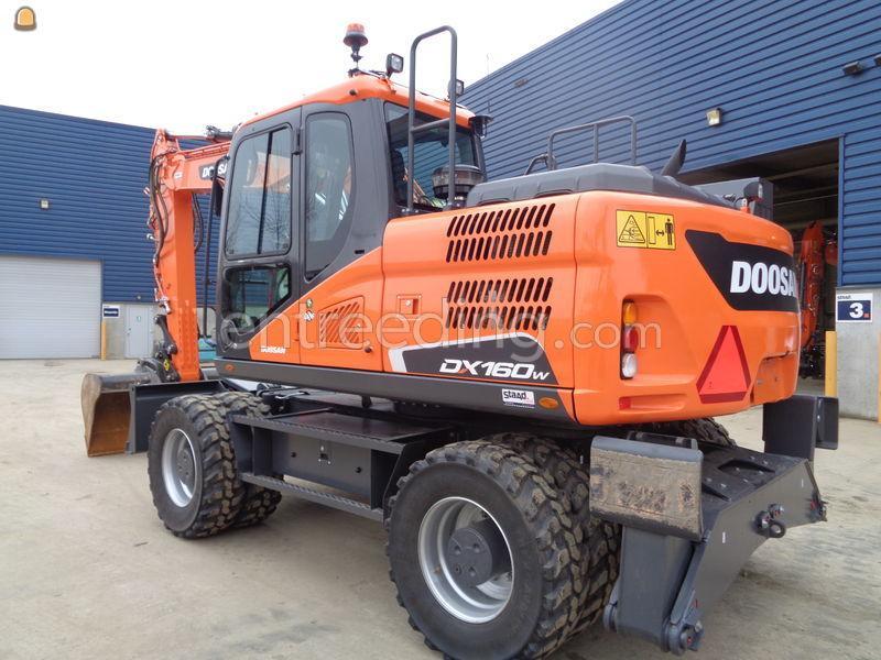 Doosan DX160W-5