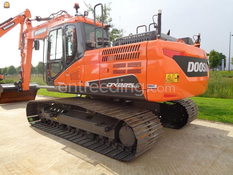 Doosan DX225LC-5