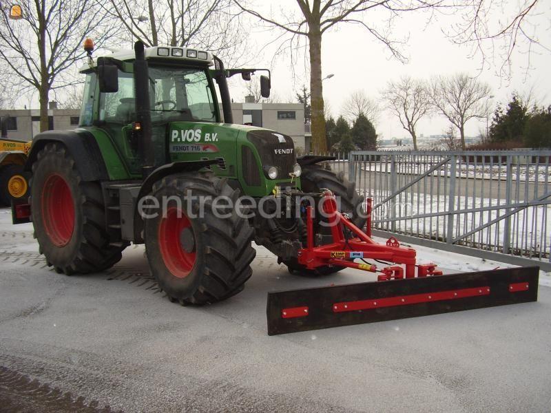 Tractor Fendt 716 + Sneeuwschuif