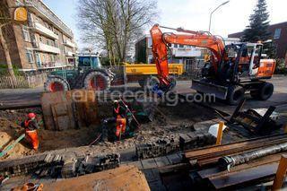 HItachi ZX140W-3 draaikan... Omgeving De IJsselsteden