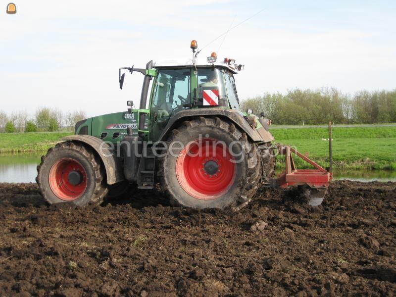 Tractor + ondergronder Trekker met Bos woelpoot