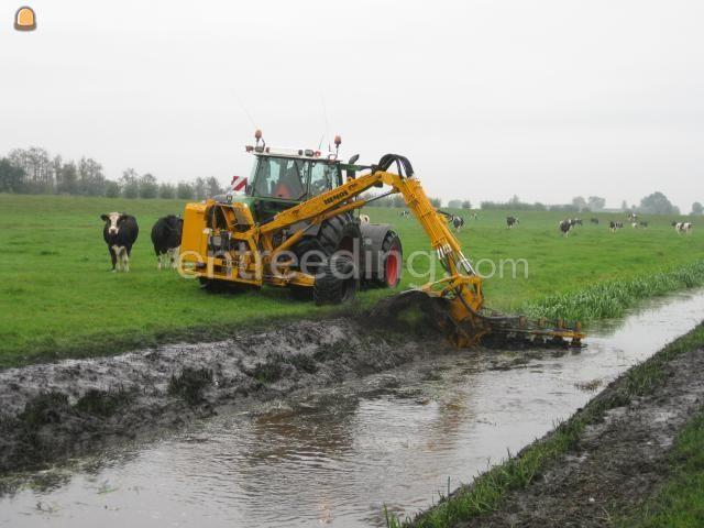 Tractor + slotenreiniger Hemos slotenfrees