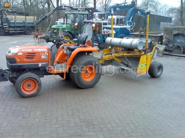 Tractor kubota st35