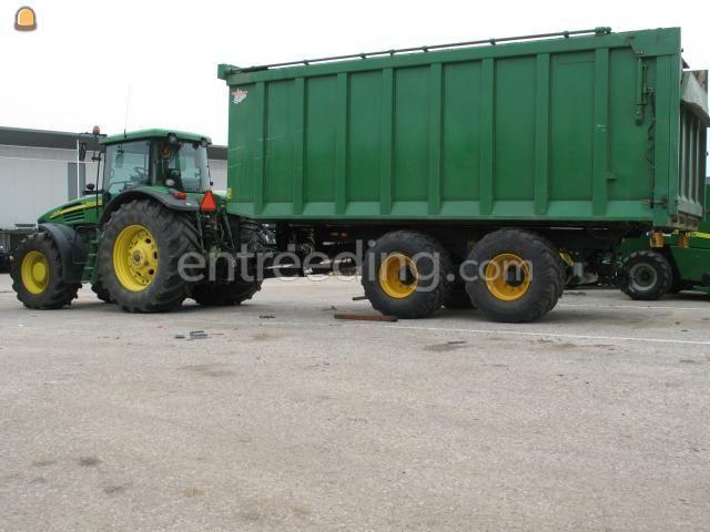Tractor + kipper John Deere 7820