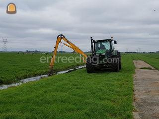 Tractor + arm toolcarrier Omgeving Leiden