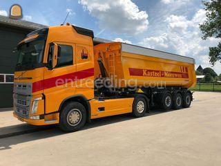 Truck met kipperoplegger Omgeving Waalwijk