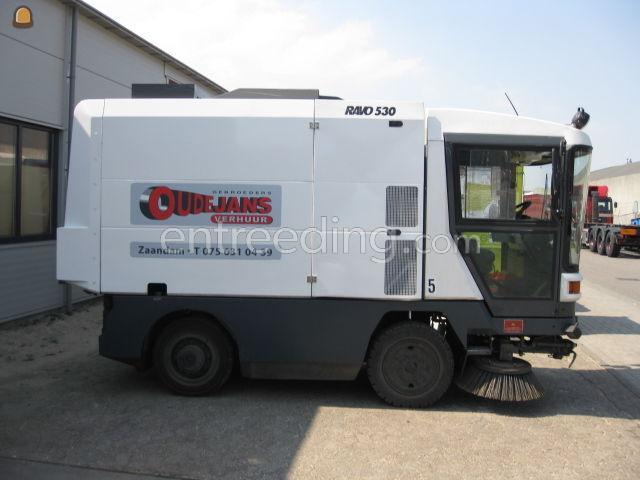 Zelfrijdende veegmachines RAVO 530//5002 STH