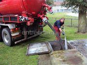 Kippervrachtauto Vrachtwagen met zuigunit