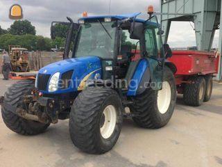 Tractor met Beco Super 12... Omgeving De Drechtsteden
