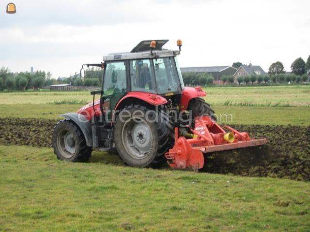 Tractor + grondfrees MF met grondfrees