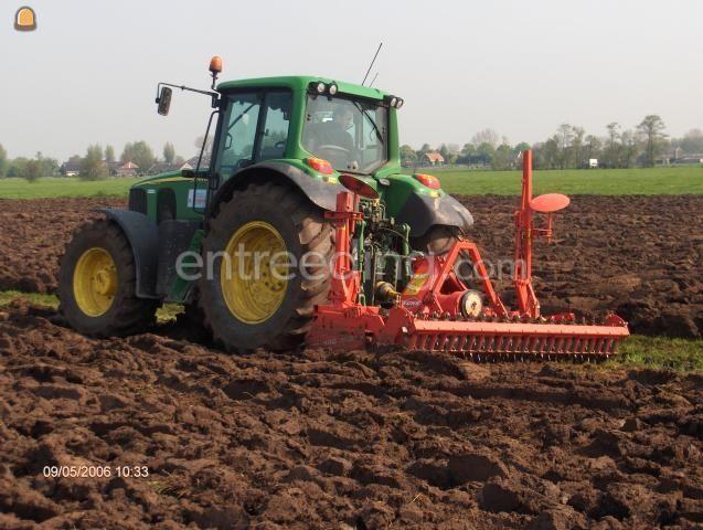Tractor + grondfrees John Deere met grondfrees