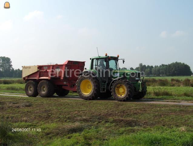 Tractor + kipper John Deere + Beco