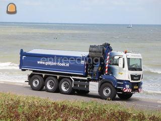 Kraan/containerauto 8x4 Omgeving Terneuzen