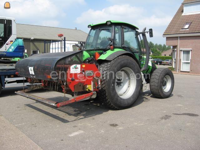 Tractor + Verti-Drainmachine trekker + vertidrain