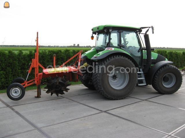 Tractor + greppelfrees trekker + greppelfrees