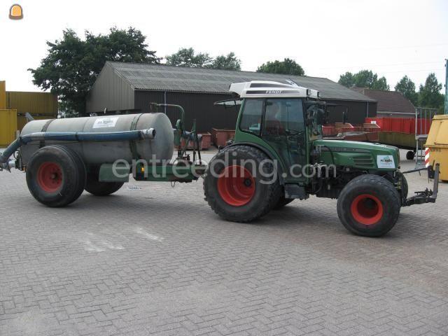 Tractor + waterwagen trekker + waterwagen 2m3