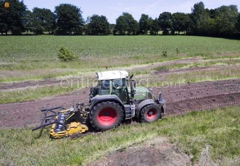 Tractor met Meri crusher