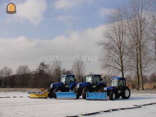 Tractor met 3 meter sneeu... Omgeving Gouda