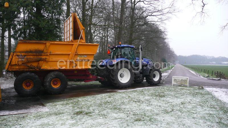 Tractor + kipper Veenhuis baggerkipper