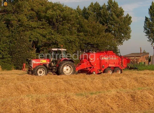 Tractor + balenpers rechthoekig MF 8130 + MF balenpers 187
