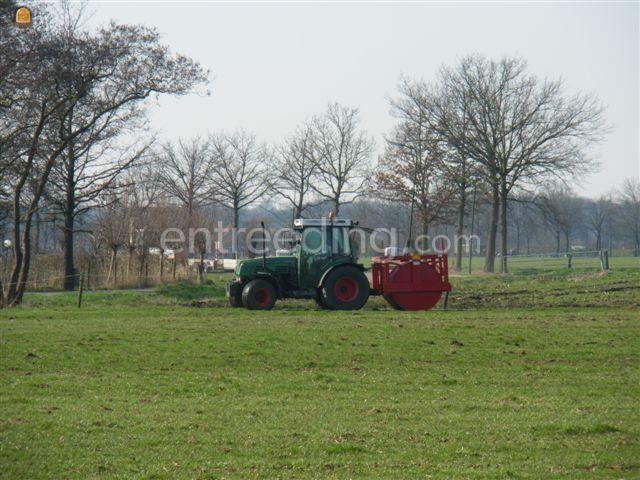 Tractor Fendt 208 + rol