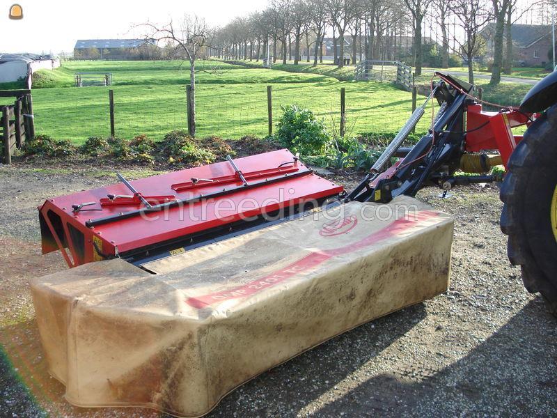 Tractor + schijvenmaaier Vicon DMP 3001 TC