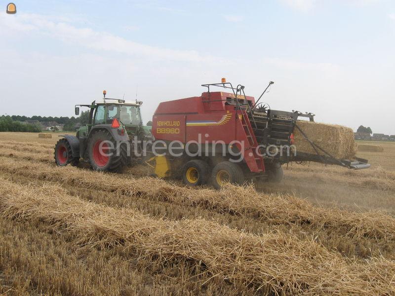 Tractor + balenpers rechthoekig Fendt + new holland pers 960