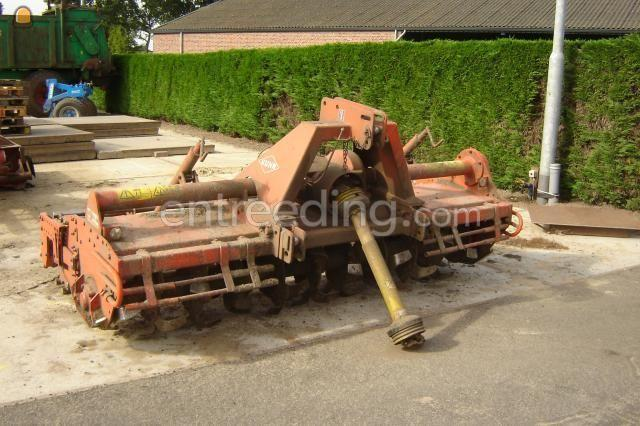 Tractor + grondfrees kuhn