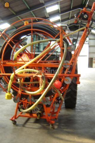 Tractor + drainage/ rioleringsreiniger douven drainreiniger