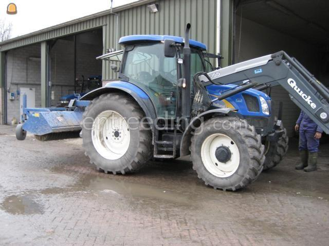 Tractor + veegmachine New Holland + AP