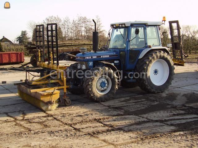 Tractor + veegmachine Ford 7810