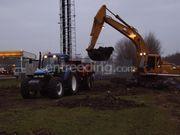 Tractor + kipper New Holland 8360