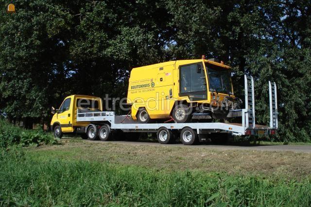 Zelfrijdende veegmachines HMF 416